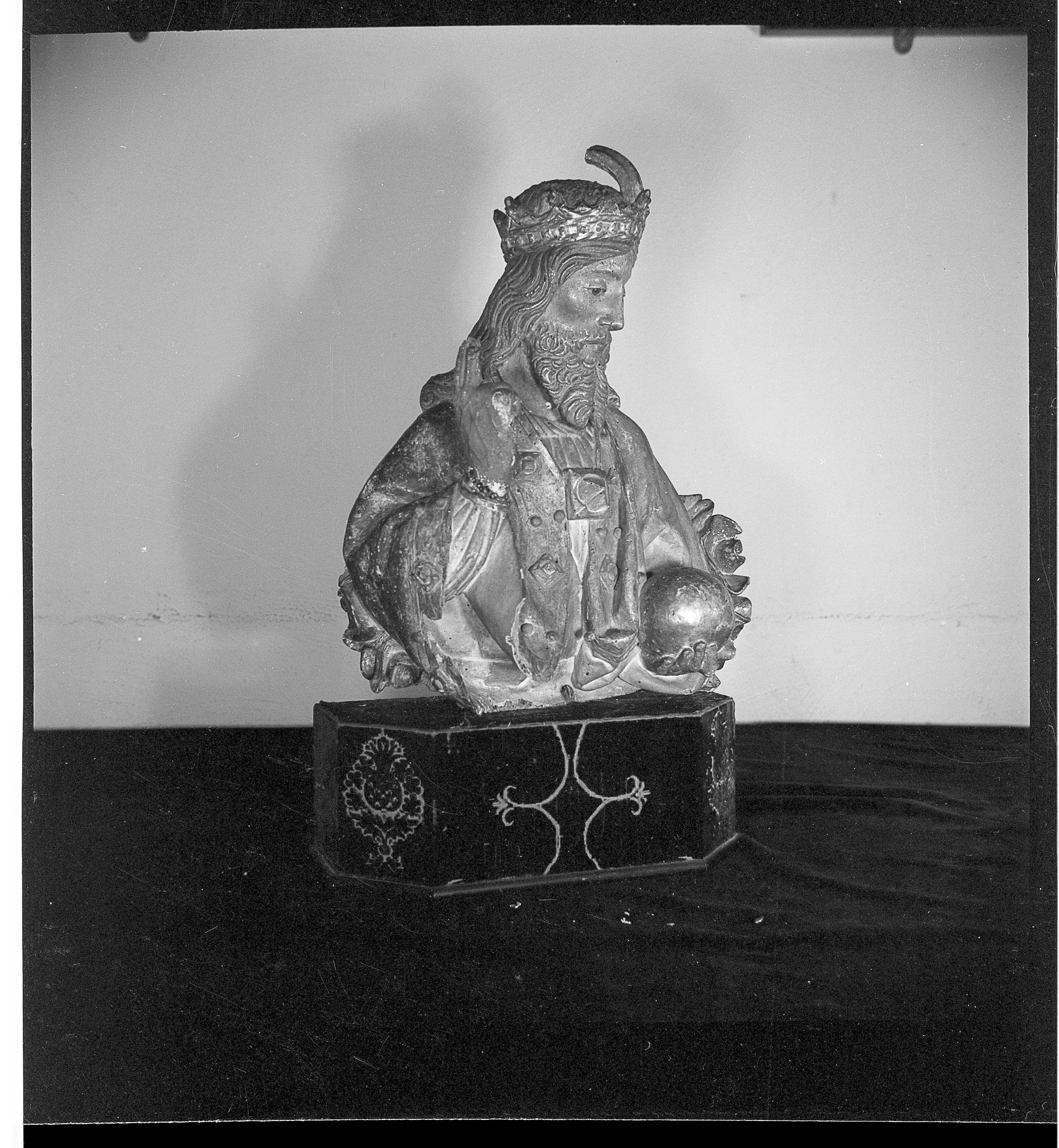 1242 bust of God the Father, wood - Cloisters Archives